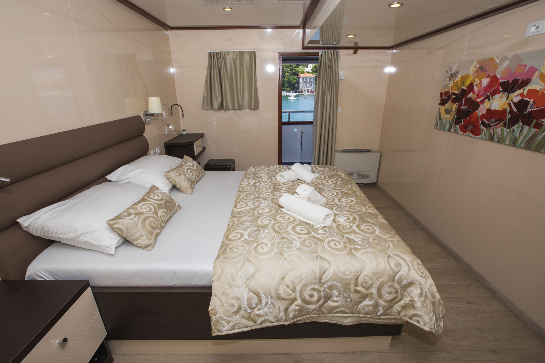 (CAT B) Double cabin with window, Adriatic Princess